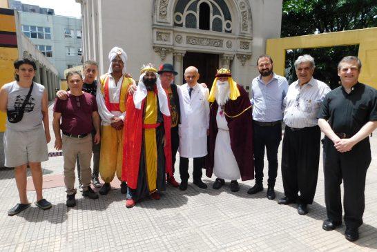 Los  Reyes Magos de la AHRCC  fueron al Hospital Elizalde